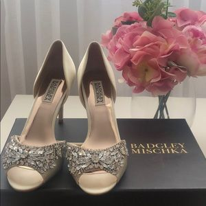 Badgley Mischka heels ivory 6.5